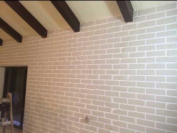 יצירת דמוי בריקים על קיר לפי דרישת הלקוח 6