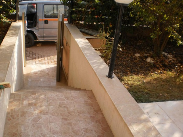 ריצוף מדרגות ושביל כניסה